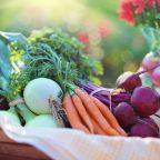 Jakie zalety niosą ze sobą obieraczki do warzyw?